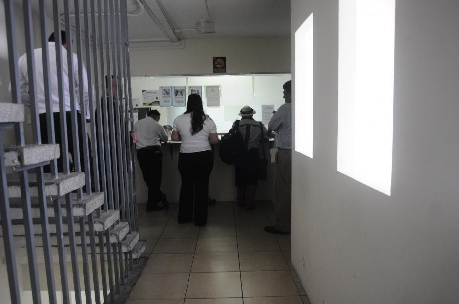 Casi 20 diputados tienen sus oficinas en este inmueble. (Foto: Alejandro Balán/Soy502)