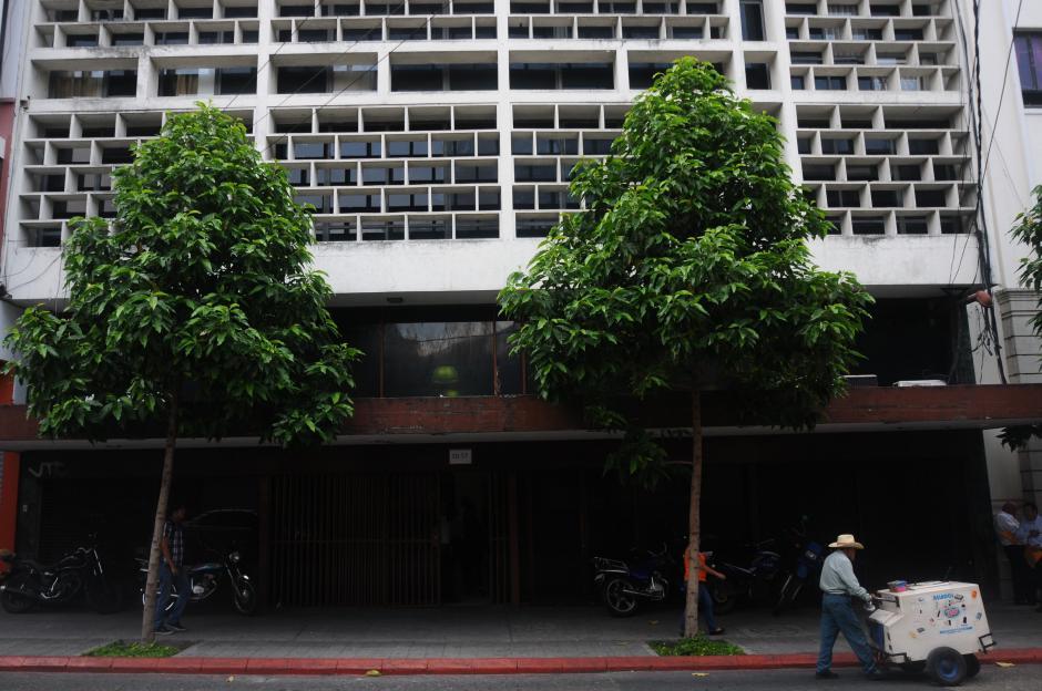 La Conred evaluó nuevamente el edificio 10-57 y recomendó desalojarlo. (Foto: Alejandro Balán/Soy502)