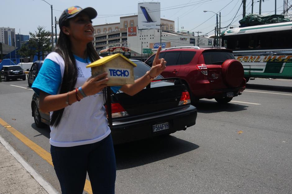 Voluntarios piden ayuda económica para llegar a la meta. (Foto: Alejandro Balán /SOy502)