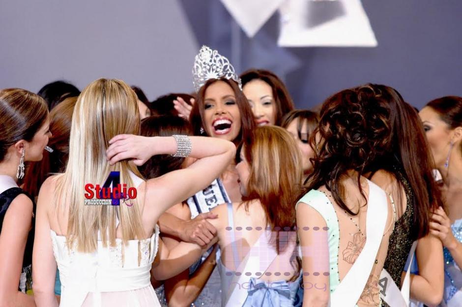 Alba Reyes fue coronada Mis Puerto Rico en 2004 mismo año en el que participó en Miss Universo. (Foto: Primera Hora)