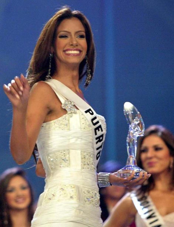 Alba Reyes Miss Puerto Rico 2004 afirma que está en quiebra y por eso venderá su trofeo de Miss Universo. (Foto: Nuevo Día)