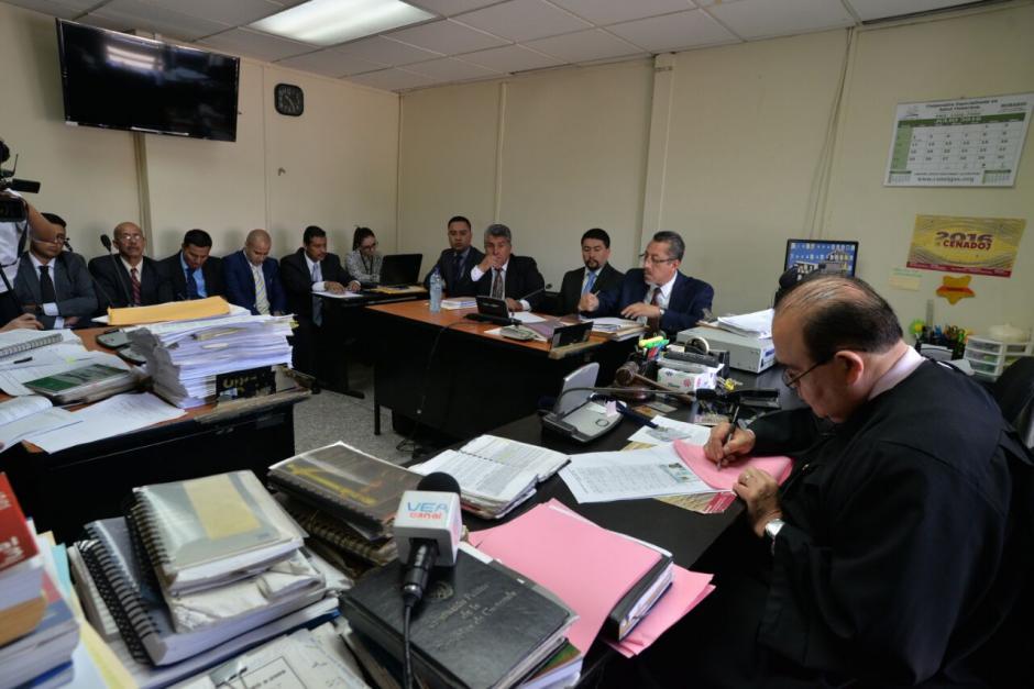 En el juzgado Décimo Penal se realiza la audiencia de primera declaración del alcalde Víctor Alvarizaes. (Foto: Wilder López/Soy502)