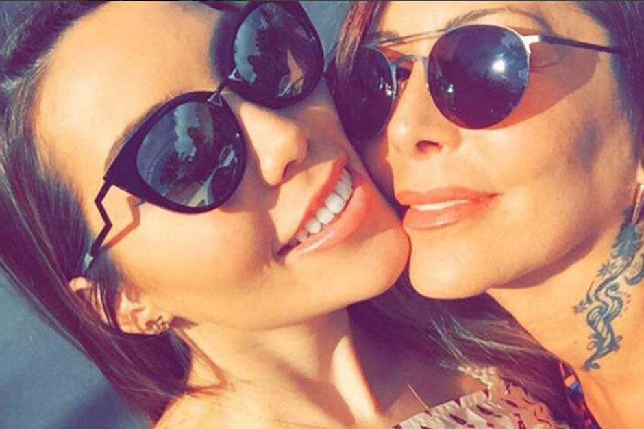 Alejandra y Frida Guzmán, madre e hija cautivan a sus seguidores con fotografías sensuales. (Foto: Instagram/Frida Guzmán)