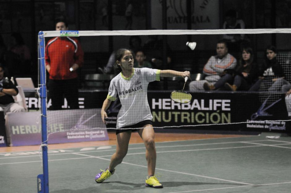 La juvenil Alejandra Paiz llegó a semifinales, cayó ante Lohhany Vicente, de Brasil. (Foto: Pedro Pablo Mijangos/Soy502)