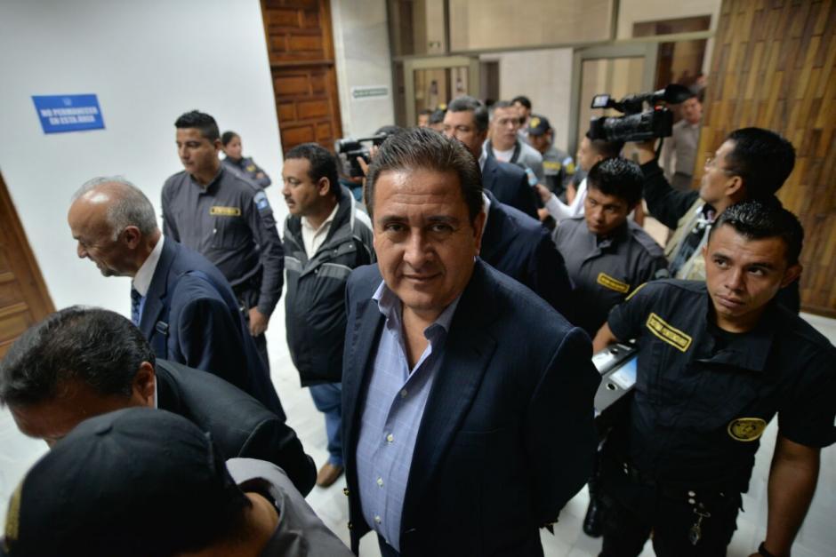 Así fue la llegada de Alejos a la Torre de Tribunales. (Foto: Wilder López/Soy502)