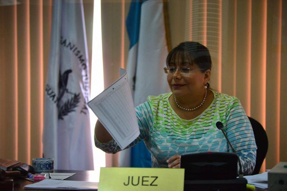 La jueza Sexta de Instancia Penal Silvia de León ligó a proceso a Gustavo Alejos en el caso conocido como Negociadores de la Salud. (Foto: Jesús Alfonso/Soy502)