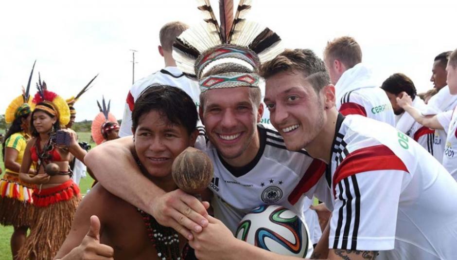 Podolski y Özil fueron de los que más expresaron su gratitud al país anfitrión con gestos en las redes sociales. (Foto: Diario 1)