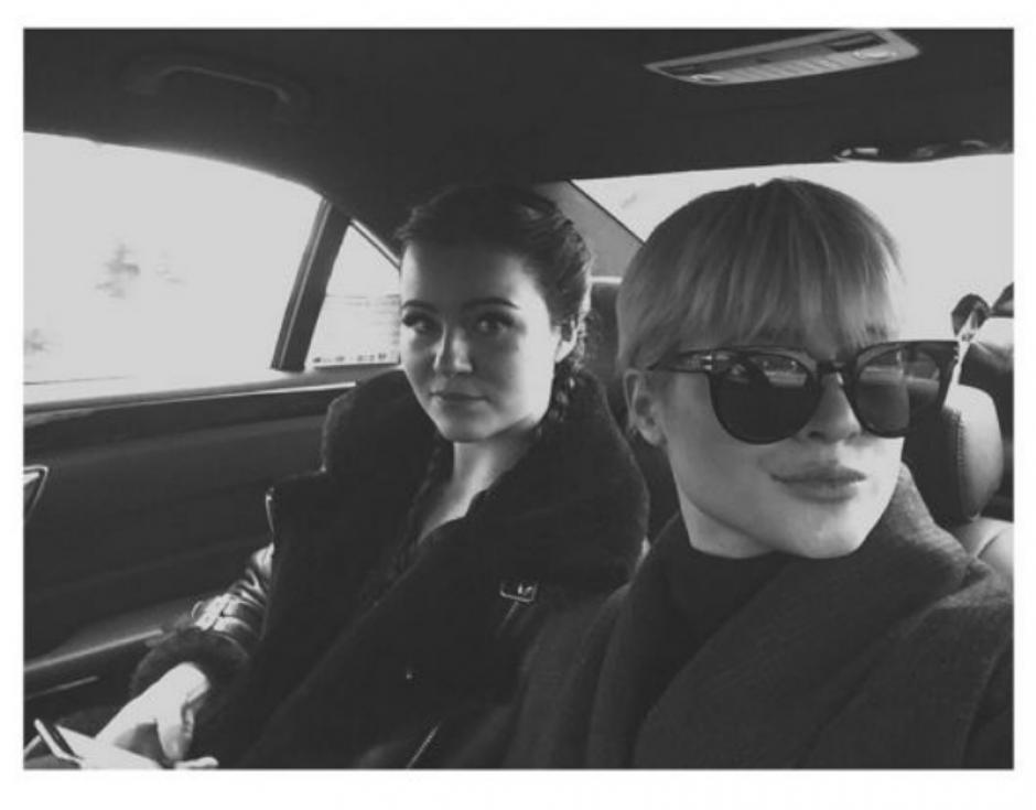Alexandra Andresen junto a su hermana Katharina. (Foto: Alexandra Andresen / Instagram)