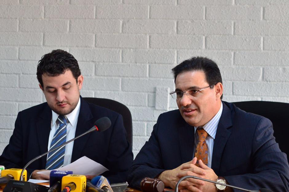 El juez de Extinción de Dominio, Marco Antonio Villeda, también estuvo en la conferencia. (Foto: Jesús Alfonso/Soy502)