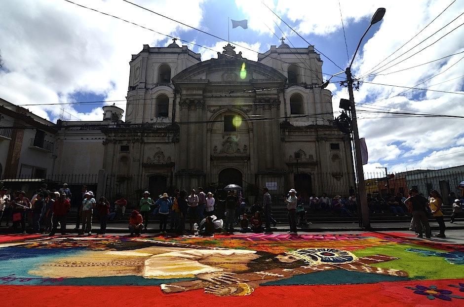 El día radiante fue perfecto para recibir a Jesús de la Merced. (Foto: Selene Mejía/Soy502)