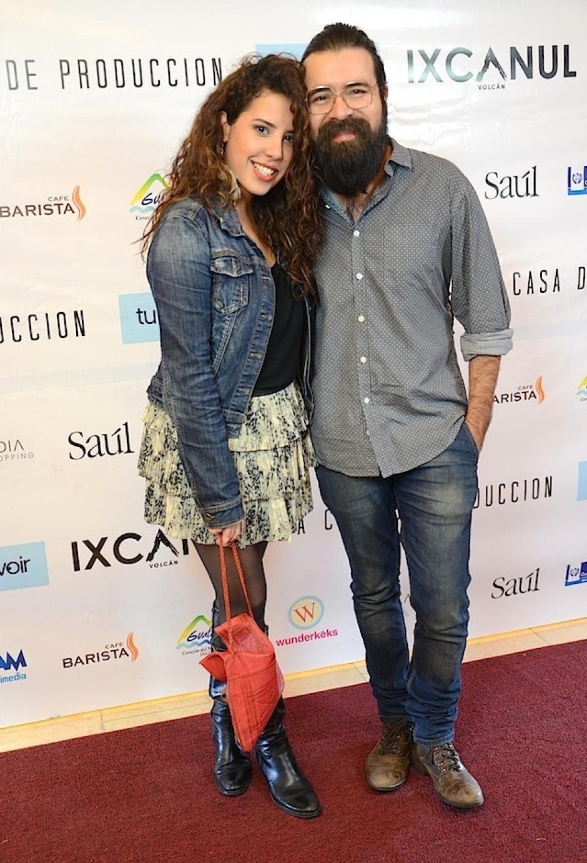 La locutora, presentadora e intérprete musical Beatriz del Cid y el músico Luis Pedro González asistieron a la gala. (Foto: Selene Mejía/Soy502)