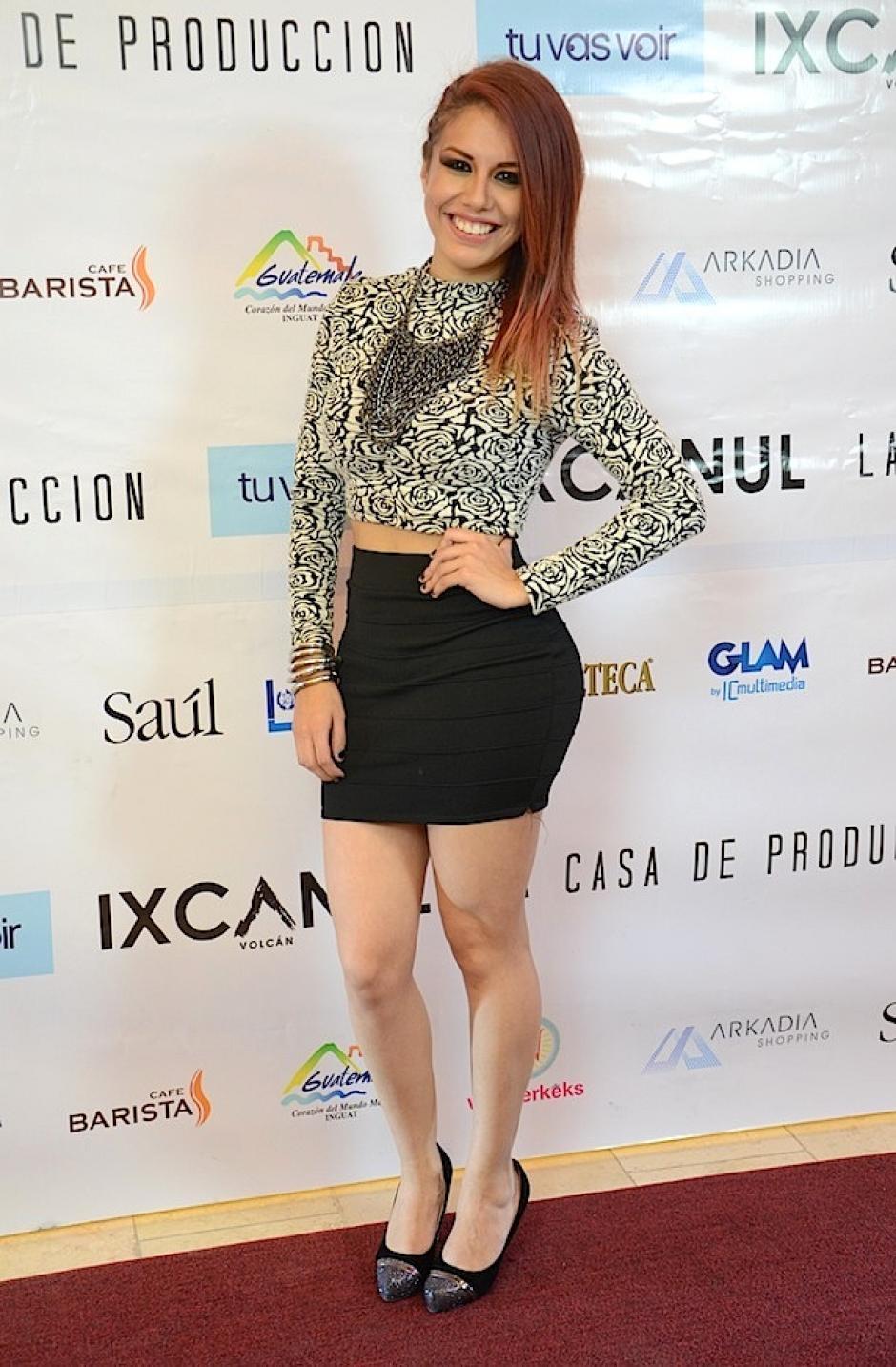 Fabiola Roudha mostró sus curvas en la alfombra roja. (Foto: Selene Mejía/Soy502)