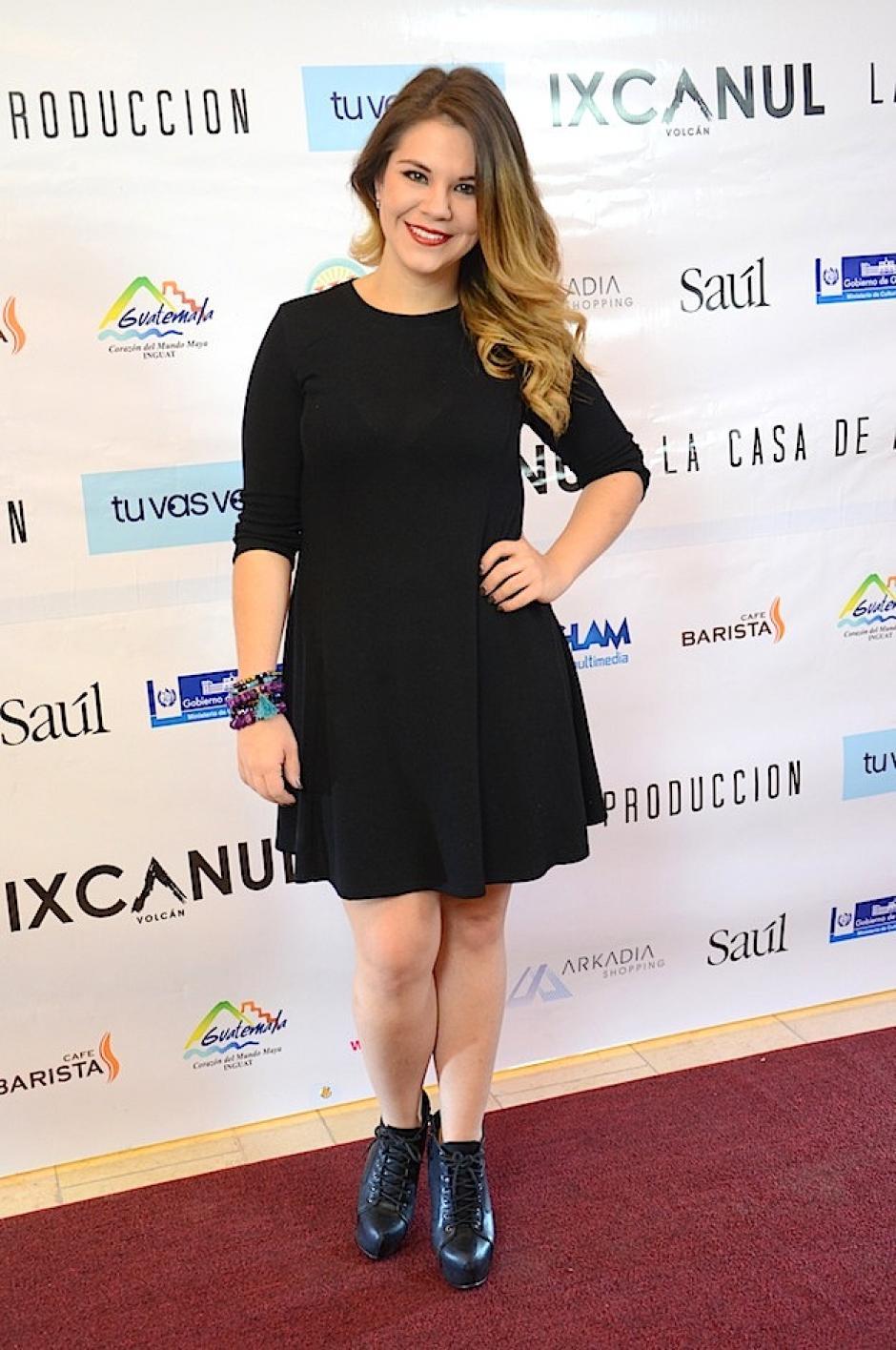 Pau Molina lució linda en la gala. (Foto: Selene Mejía/Soy502)