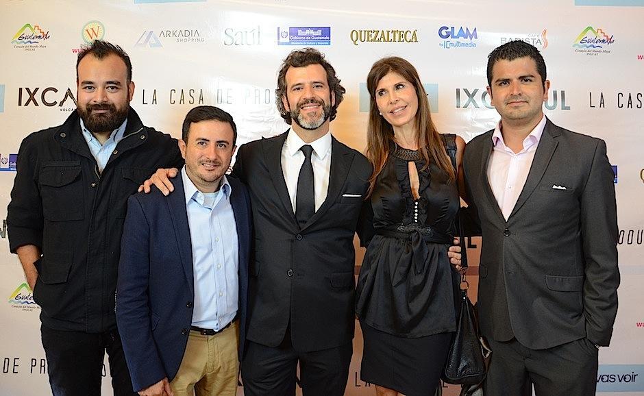 Cineastas guatemaltecos se presentaron a esta importante noche. (Foto: Selene Mejía/Soy502)