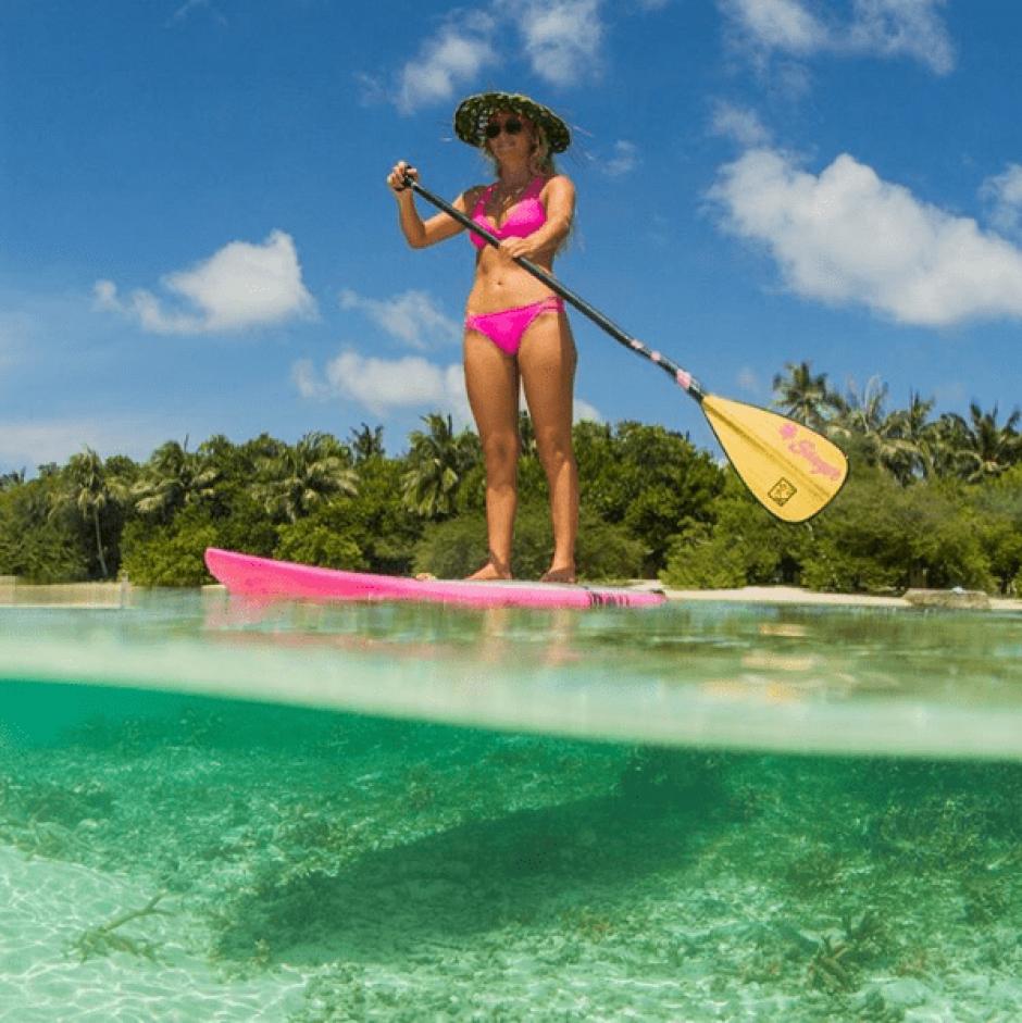 Esta surfista usualmente vive en Hawái. (Foto: @alisonsadventures/Instagram)