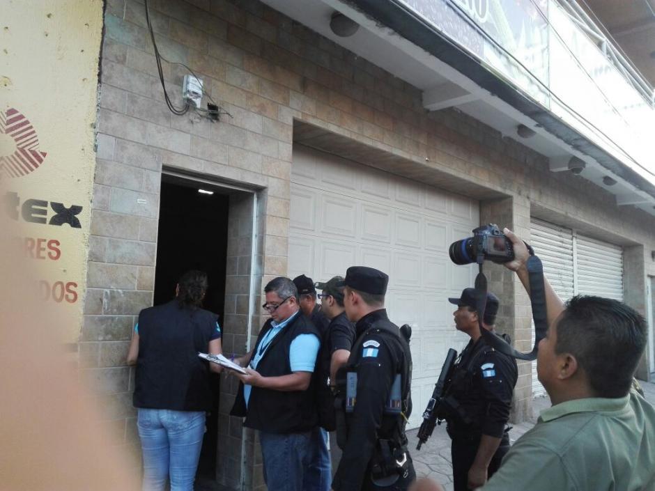Las autoridades realizan allanamientos en cinco departamentos del país. (Foto: PNC)