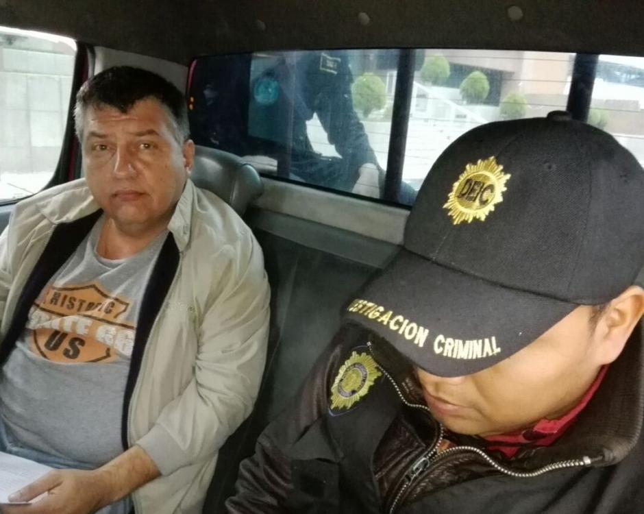Uno de los detenidos es José Antonio Estrada Luján. (Foto: PNC)