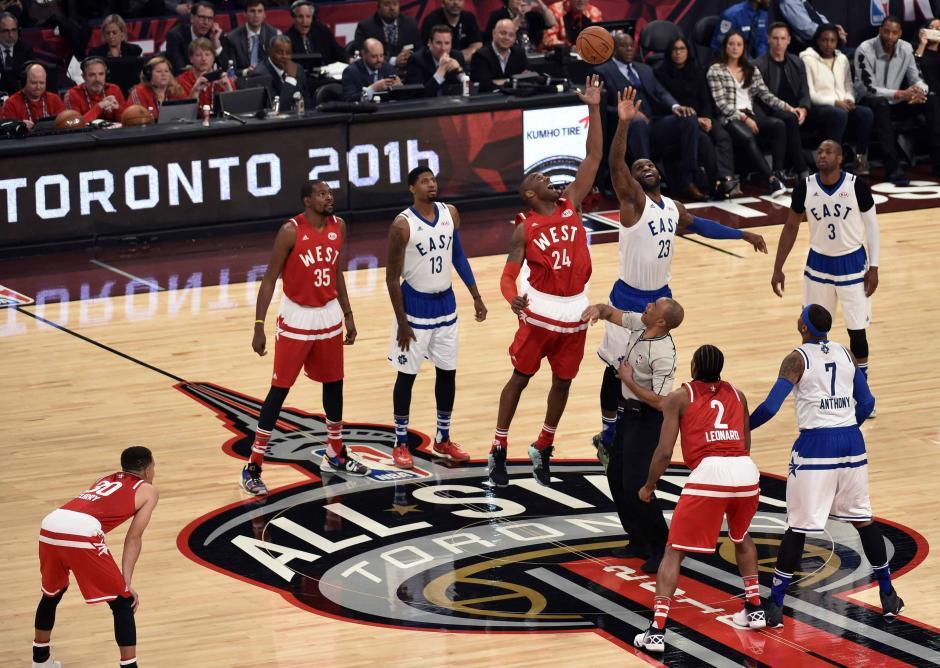 """Kobe Bryant disputó su último """"Juego de las Estrellas"""" de la NBA. Fue homenajeado. (Foto: EFE)"""