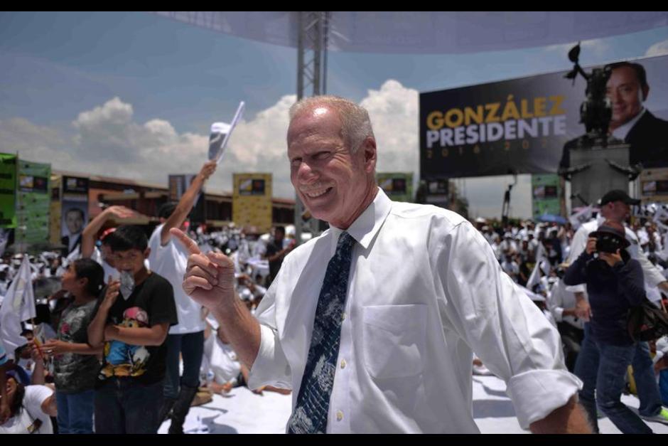 El alcalde de Mixco es admirador del fundador del Partido Unionista, Álvaro Arzú. (Foto: Partido Unionista/Facebook)