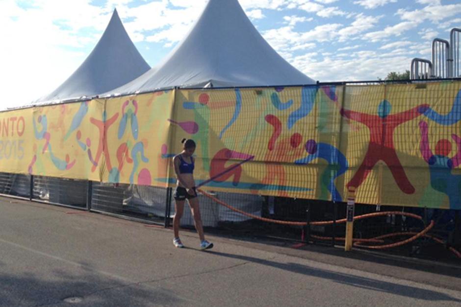 Mirna recibió tres amonestaciones antes de alcanzar el kilómetro 10 de su recorrido