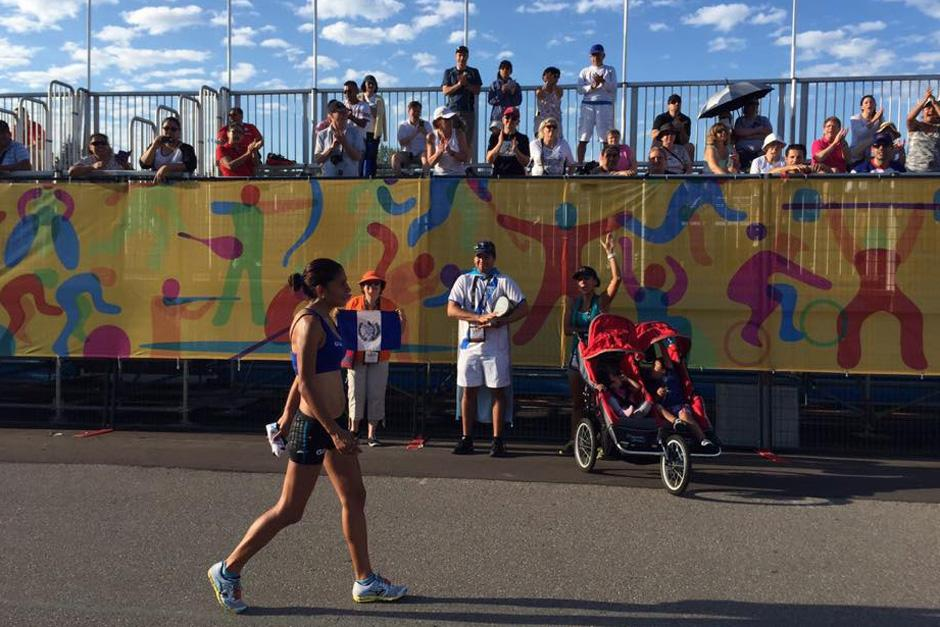 Mirna Ortiz luce desconsolada tras ser eliminada de la prueba femenina de marcha