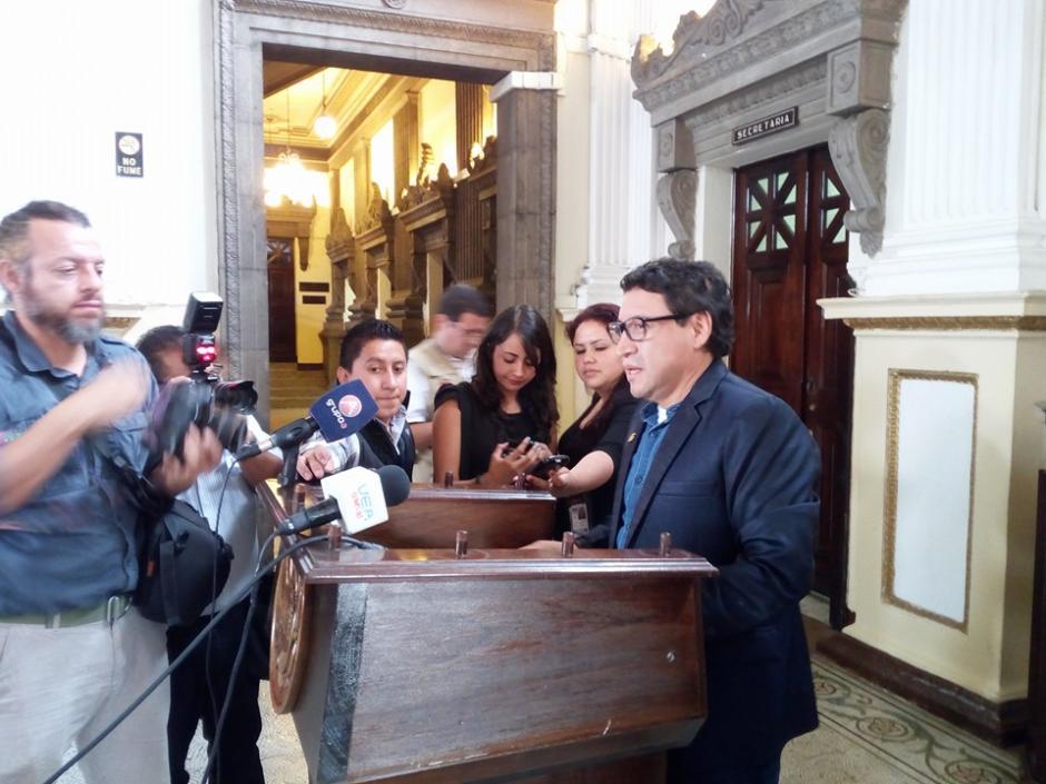 El diputado Álvaro Velásquez presentó la propuesta. (Foto: Bancada De La Dignidad Convergencia/Facebook)