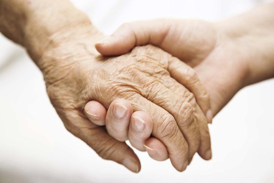 Científicos buscan demostrar que el Alzheimer se puede transmitir por medio de algunos procedimientos quirúrgicos