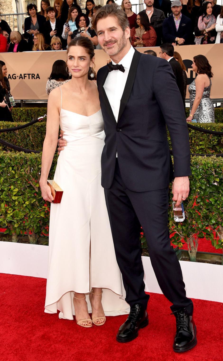 La actriz Amanda Peet y David Benioff asisten a la 22ª Screen Actors Guild Awards en el AuditoriuoShrine. (Foto:AFP)