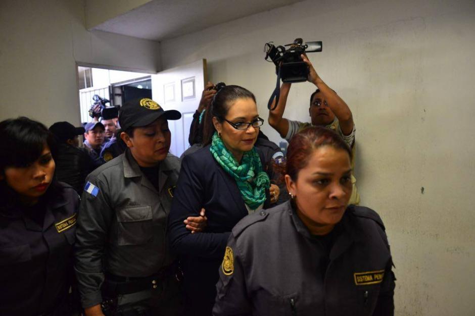 Con una valla, la guardia penitenciaria evitó acercamiento con la prensa. (Foto: Jesús Alfonso/Soy502)