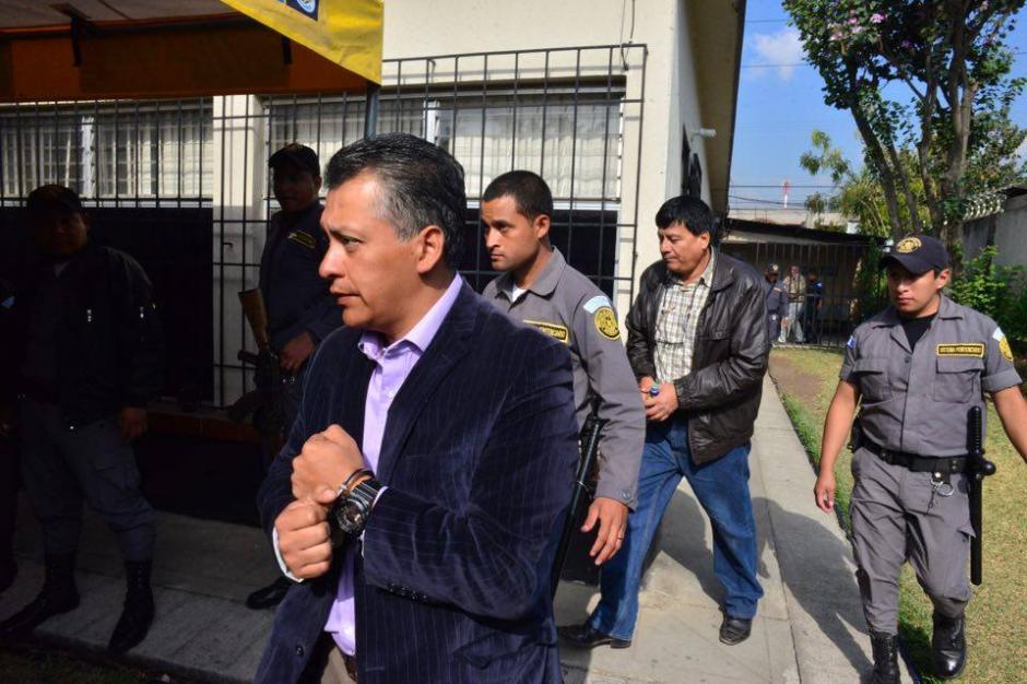 Así llegaban los demás acusados en el caso. (Foto: Jesús Alfonso/Soy502)
