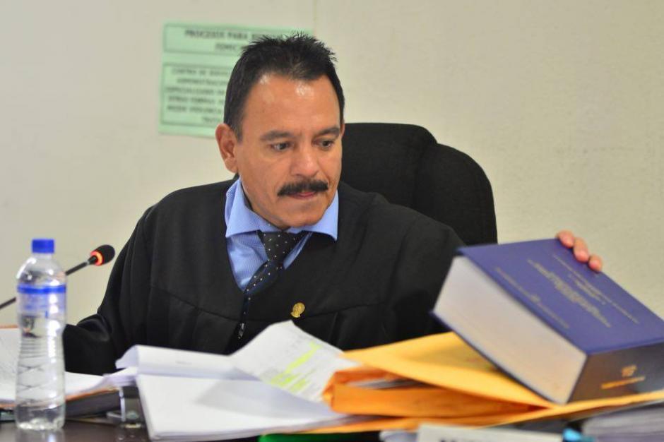 El juez Arnoldo Orellana justificó su decisión uno a uno de los acusados. (Foto: Jesús Alfonso/Soy502)