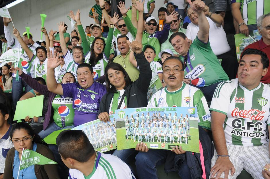 El ambiente en el estadio Pensativo estuvo a la altura de una final nacional. (Foto: Nuestro Diario)
