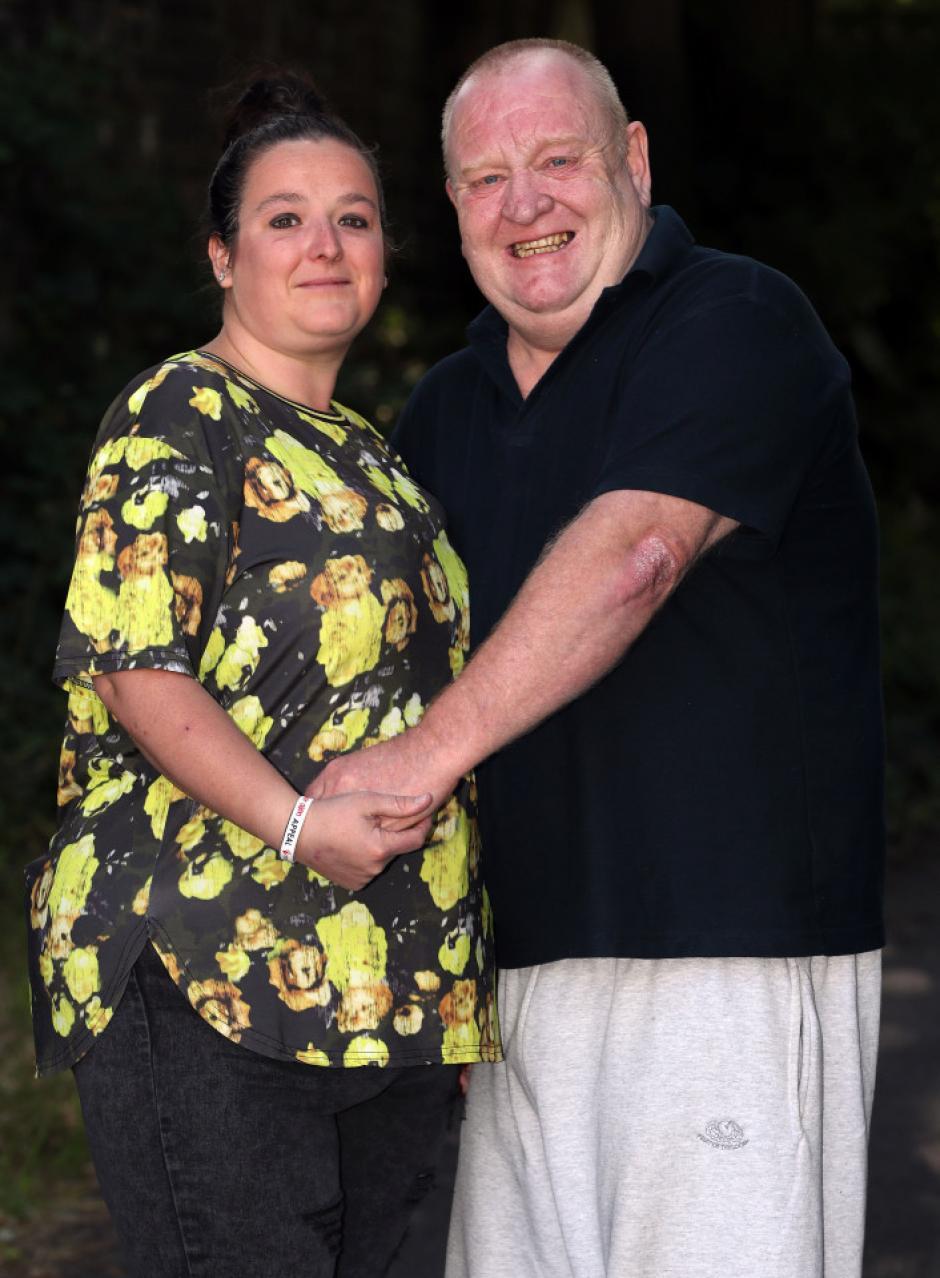 La pareja salió después de unos días de hablar. (Foto: The Sun)