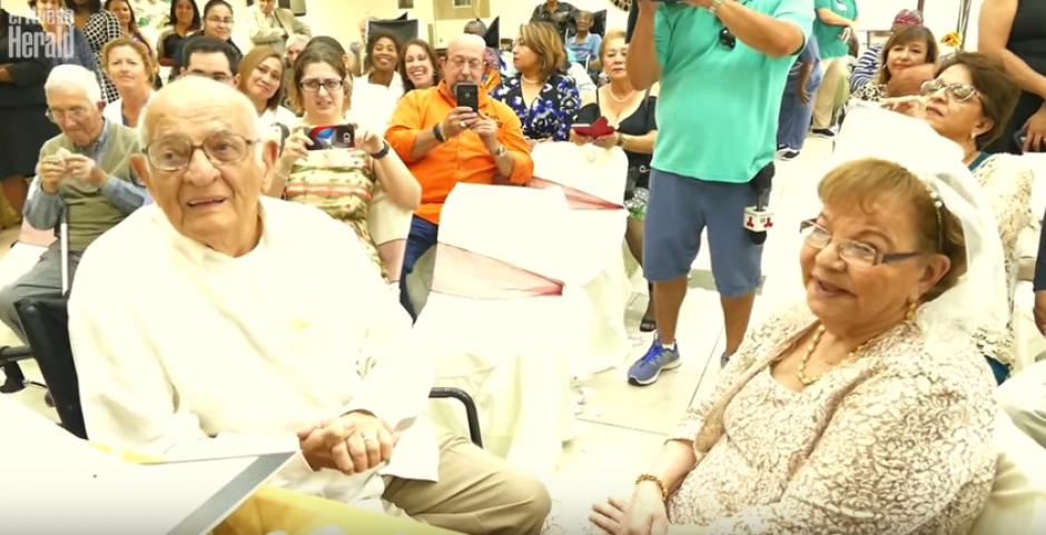 La guatemalteca conoció a su ahora esposo, Carlos Víctor Suárez de 95 años, 6 meses atrás. (Imagen: captura de YouTube)