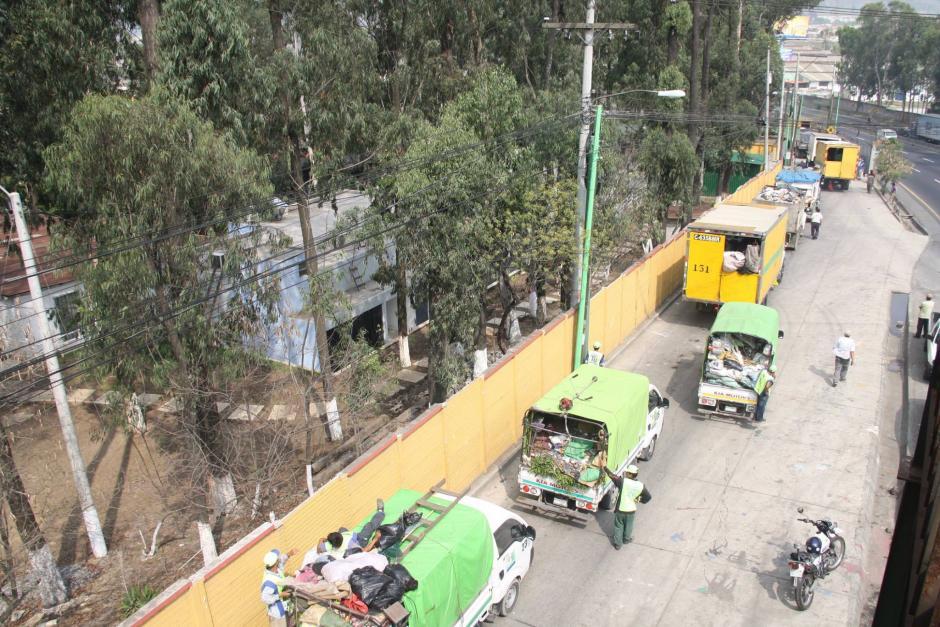 Los desechos fueron aceptados ante la emergencia ocurrida en el relleno sanitario de la zona 3 capitalina. (Foto: Facebook/ AMSA Guatemala)