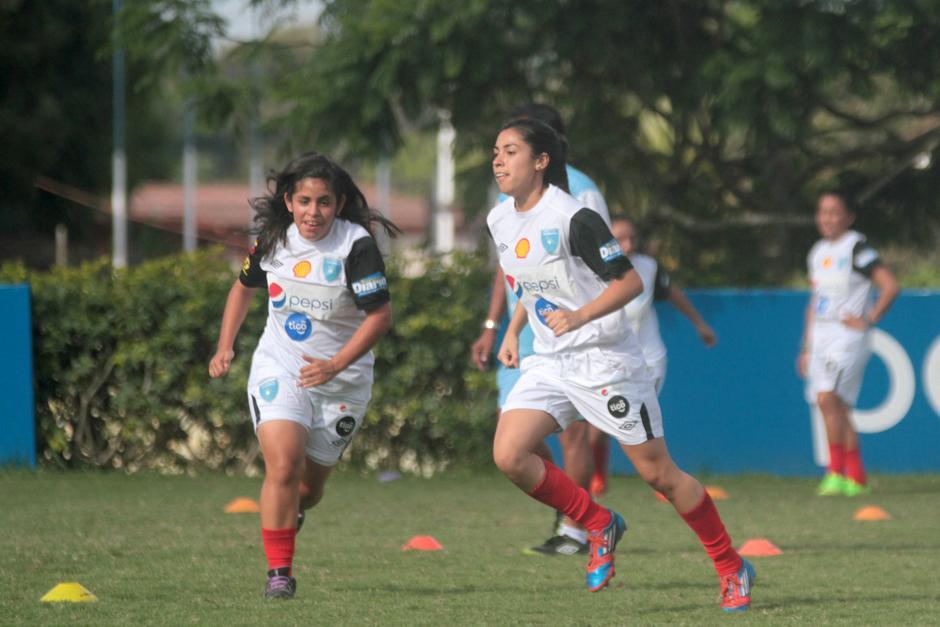 Ana Lucía Martínez entreno selección foto