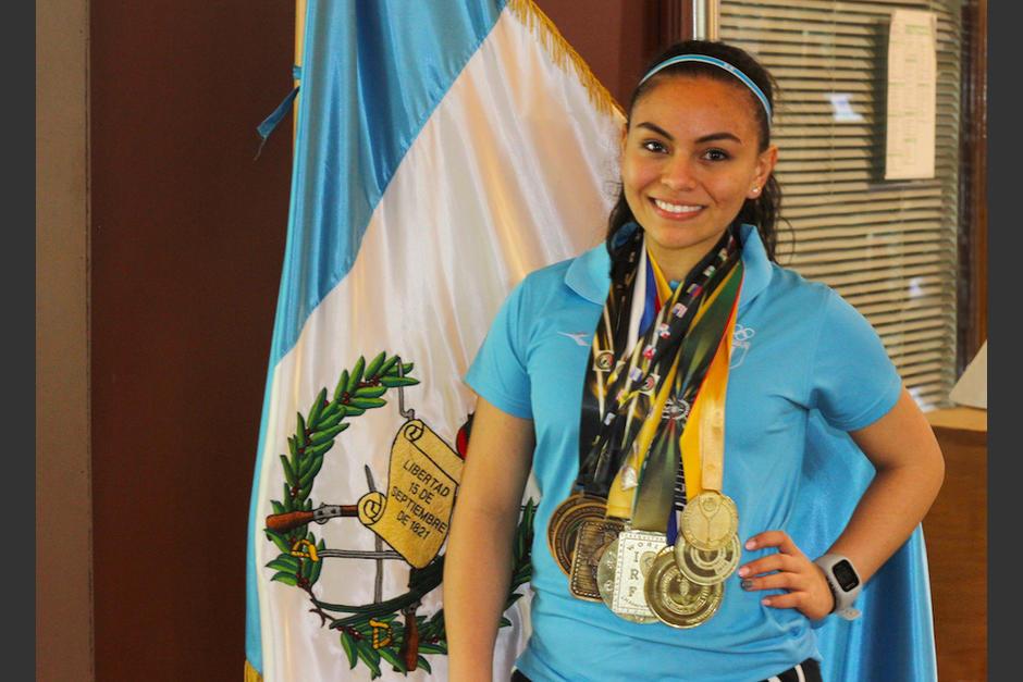 Ana Gabriela Martínez quiere ser la única jugadora en ganar nueve coronas mundiales de raquetbol juvenil. (Foto: Luis Barrios/Soy502)