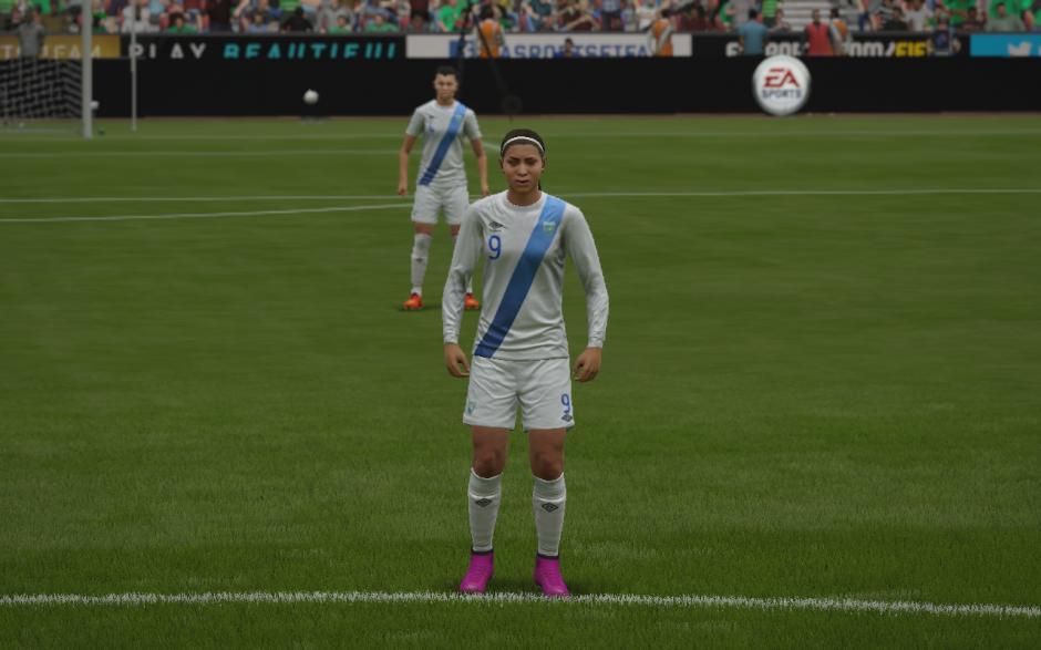 La futbolista nacional, Ana Lucía Martínez, también sale en el videojuego.  (Foto: Captura de imagen)