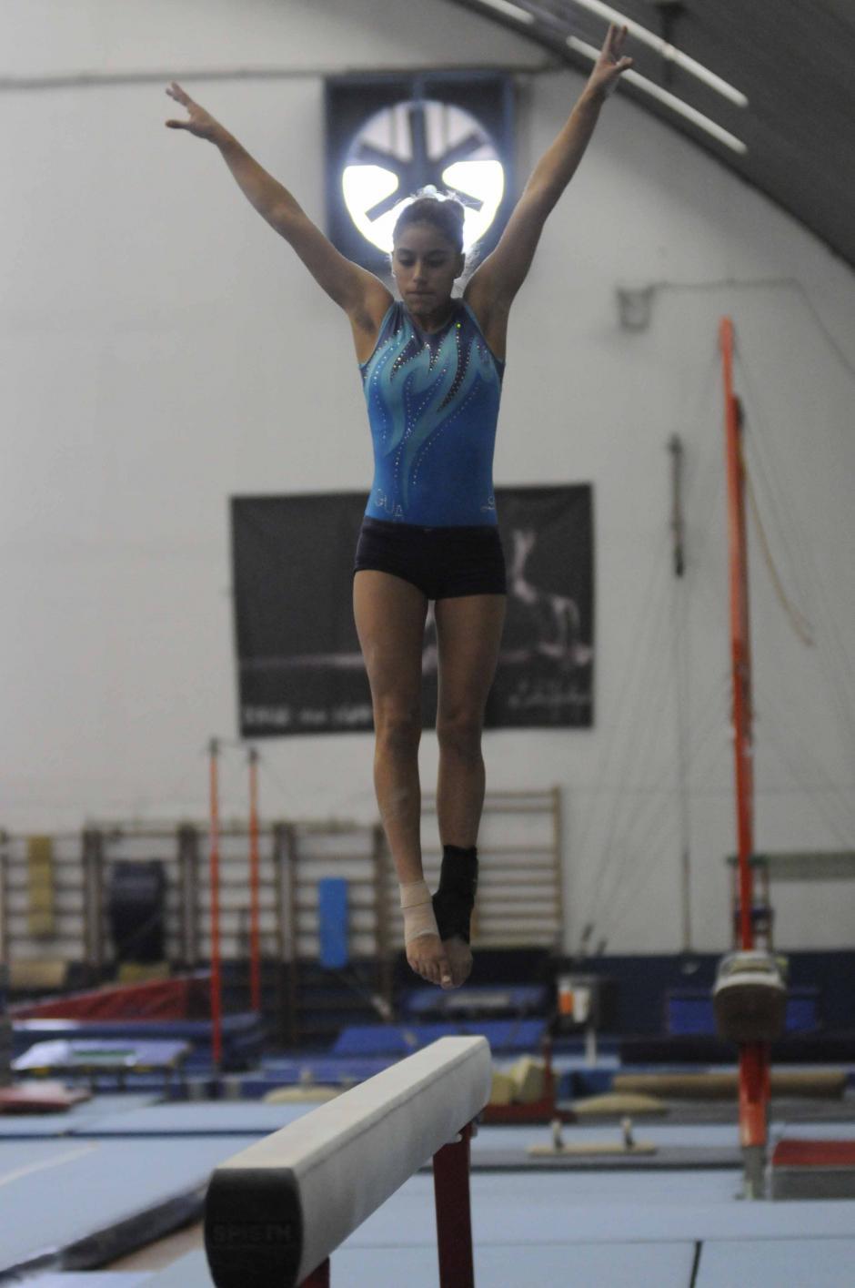 La gimnasta guatemalteca, de 20 años, busca clasificar a sus segundos Juegos Olímpicos. En Londres 2012 finalizó en el puesto 22. (Foto: Pedro Pablo Mijangos/Soy502)