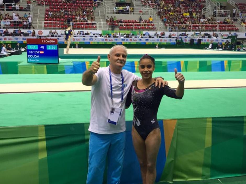 """""""Sofi"""" también fue recibida por sus compañeras de la Selección de gimnasia.  (Foto: Pedro Pablo Mijangos/Soy502)"""