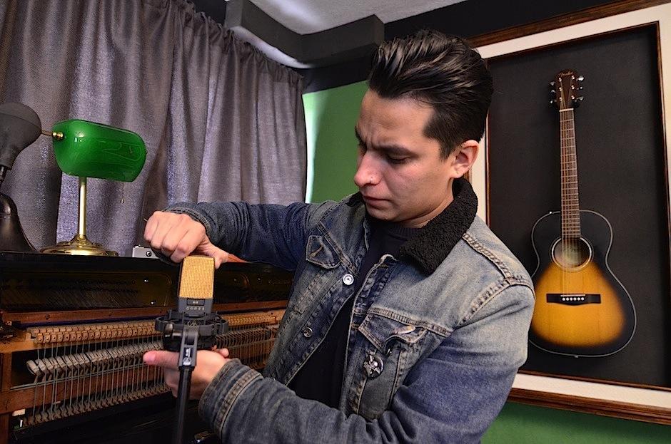 Todos los instrumentos para hacer sonido son tratados con amor. (Foto: Selene Mejía/Soy502)