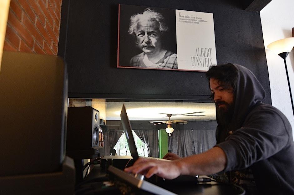 Ambos se han encargado de preservar la ola de este estilo musical en este lugar. (Foto: Selene Mejía/Soy502)