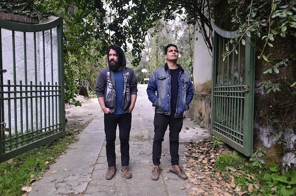 Franc Castillejos y David Suárez, artistas nacionales, están a cargo de este proyecto. (Foto: Selene Mejía/Soy502)