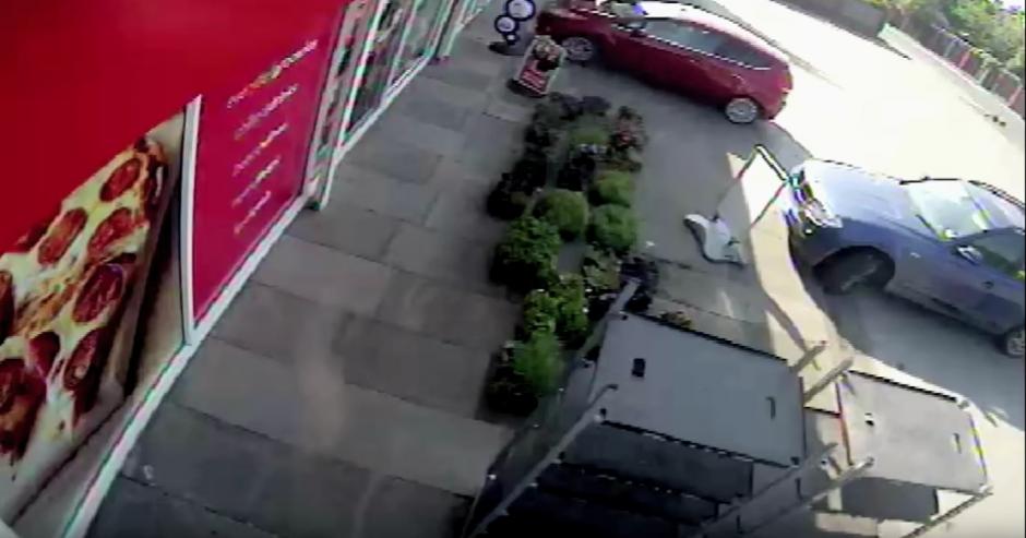 Una mujer conducía en estado de ebriedad. (captura de pantalla: GM Police/YouTube)