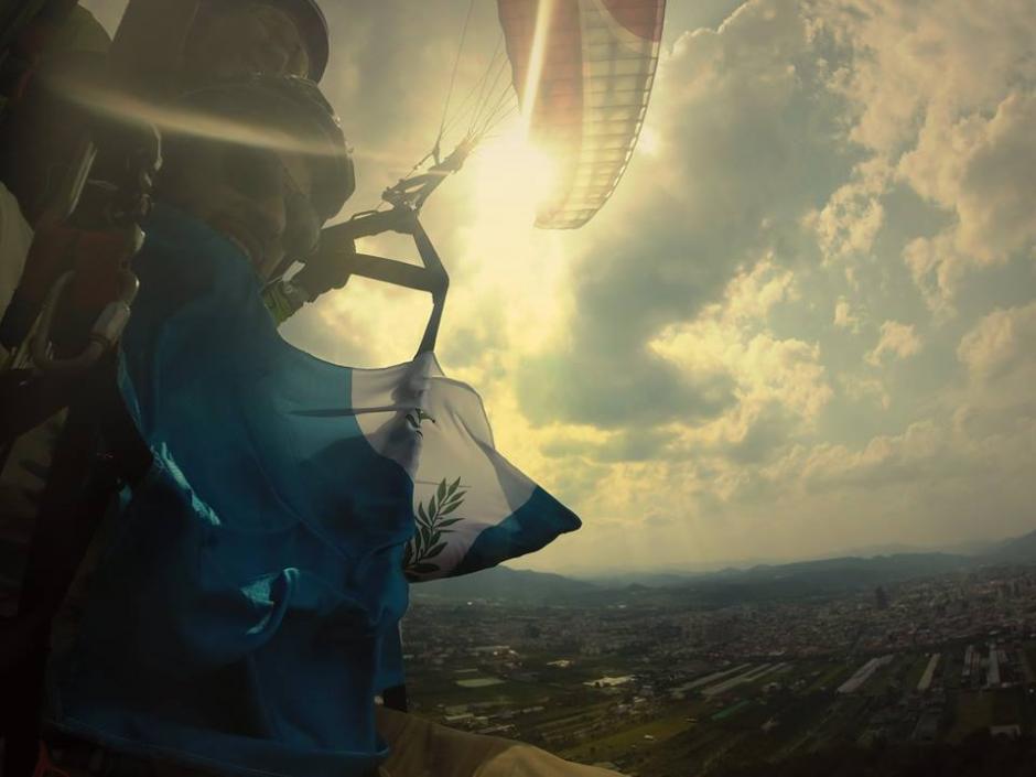 Ángel también practica paracaidismo desde 2014. (Foto: Cortesía Ángel Menéndez)