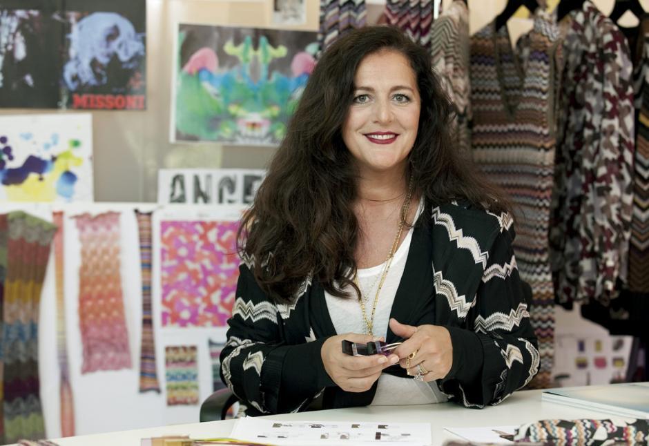 Angela Missoni presentó una línea de ropa para hombres inspirada en los colores y diseños indígenas de Guatemala. (Foto: Vogue)