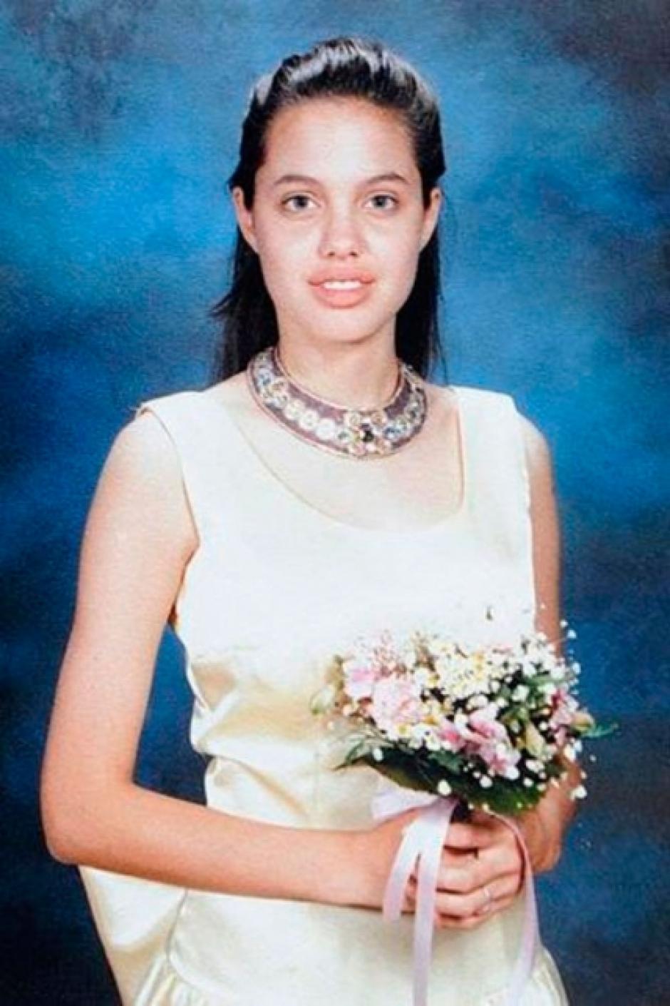Así lucía Angelina Jolie para su baile de graduación. (Foto: el País)