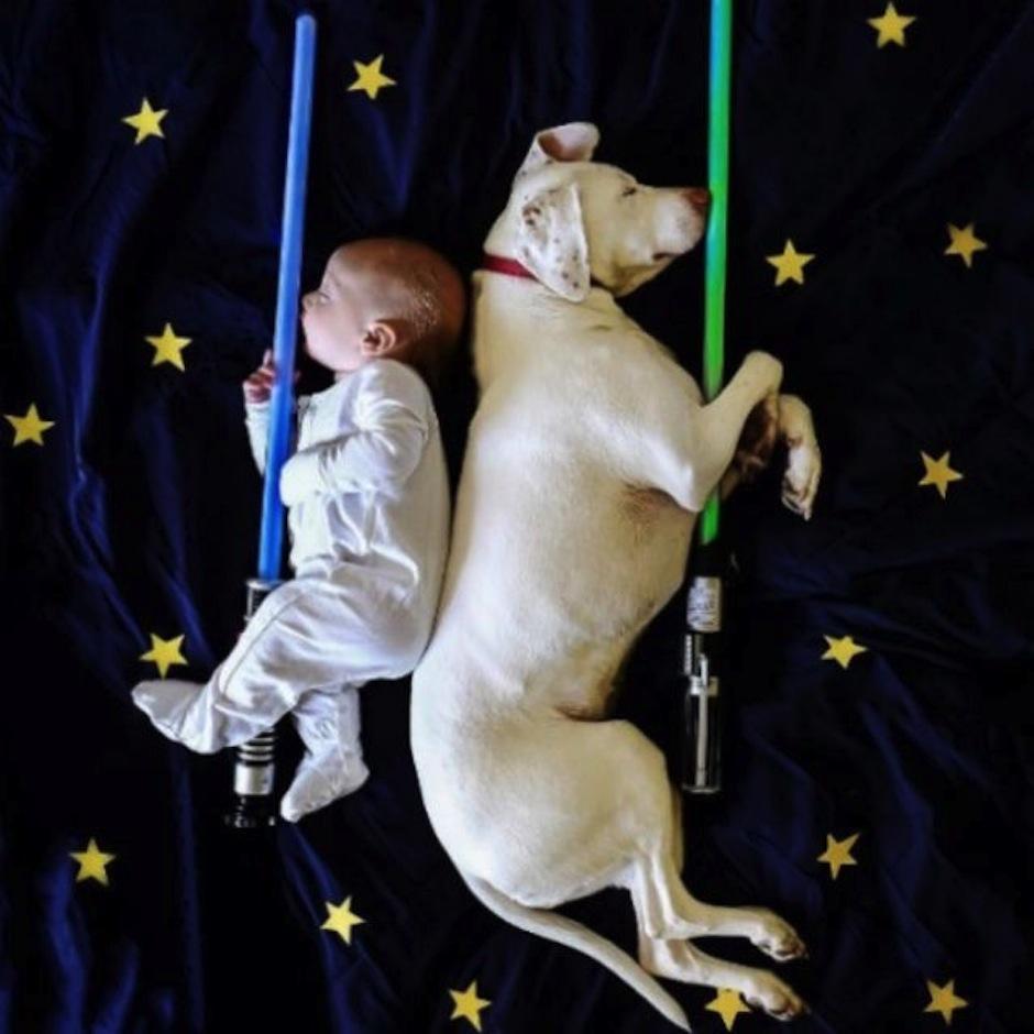 Las siestas de este bebé y su perro. (Foto: atresmedia.com)