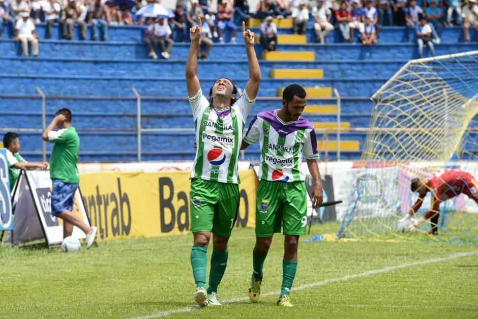 Agustín Herrera marcó doblete y es el goleador del Apertura 2016. (Foto: Sergio Muñoz/Nuestro Diario)