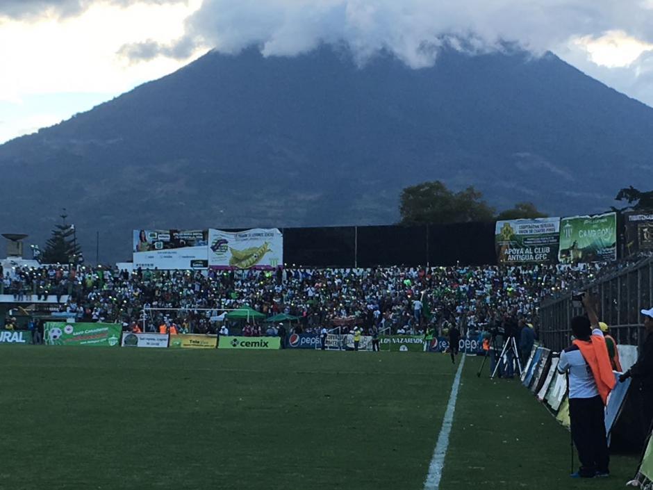 Así lucía el recinto deportivo en la ciudad colonial. (Foto: Fredy Hernández/Soy502)